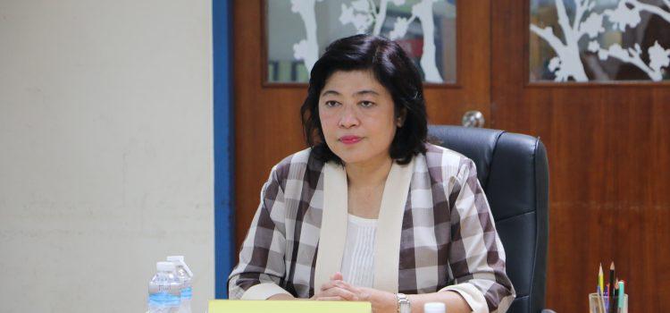 """ดร.วิภารัตน์ ดีอ่อง รองเลขาธิการคณะกรรมการวิจัยแห่งชาติ พร้อมด้วยคณะผู้บริหาร ประชุมหารือและเยี่ยมชมสถานที่การจัดงาน """"มหกรรมงานวิจัยงานวิจัยส่วนภูมิภาค ประจำปี 2562 (Regional Research Expo 2019) ณ มหาวิทยาลัยราชภัฏบุรีรัมย์"""